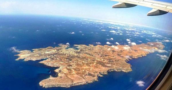 ISOLE MINORI - Riprendono i voli per Lampedusa e Pantelleria