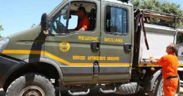 CORPO FORESTALE SICILIANO - Antincendio, 25 mln per rinnovo Parco automezzi