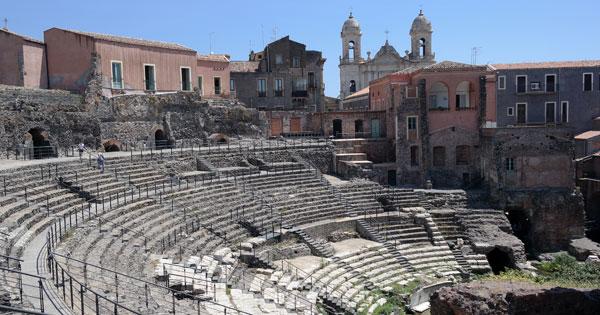 BENI CULTURALI - Catania, Musumeci riapre l'Anfiteatro romano