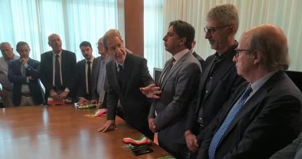 VIABILITÀ - Ct-Rg, sindaci Sud-Est consegnano fasce tricolori