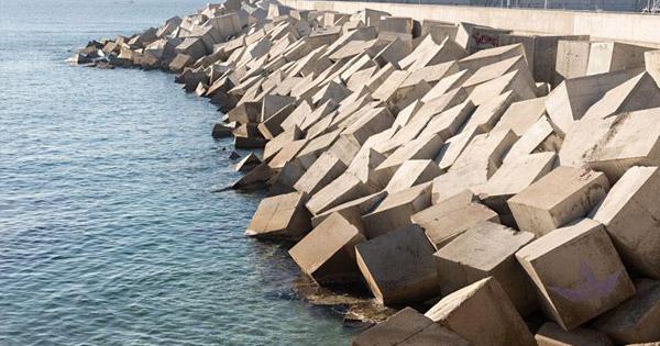 EROSIONE COSTIERA - Messina, ripristino per otto barriere