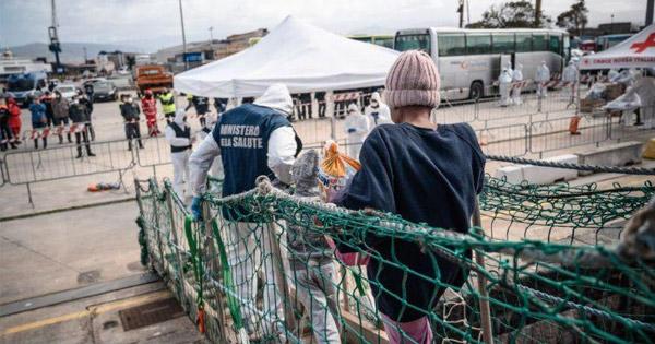 MIGRANTI - Musumeci: Grave lo sbarco a Messina