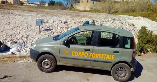 PARTINICO - Corpo forestale sequestra discarica abusiva