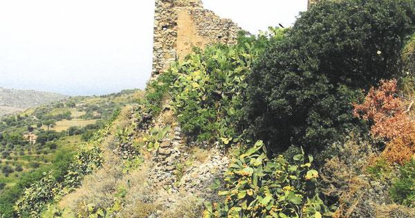 COLLESANO - Un progetto per il costone e il Castello
