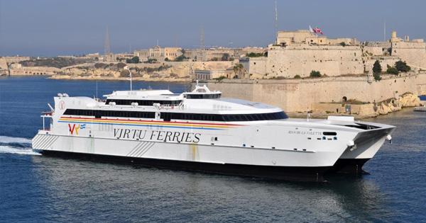 CORONAVIRUS - Catamarano da Malta, ok per assistenza sanitaria