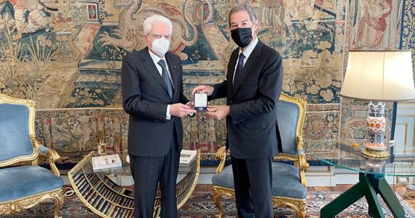 STATUTO SICILIANO - Musumeci al Quirinale, medaglia a Mattarella