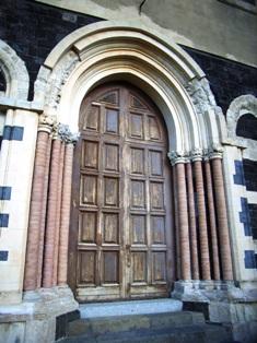 Patti: il portale della Basilica Cattedrale San Bartolomeo