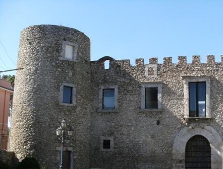 Roccavaldina: Castello (ingresso su richiesta)