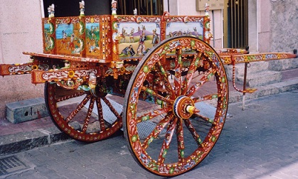 Tipico carretto siciliano realizzato dall'artigiano Addea Pietro