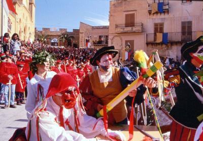Tra Cultura e Folklore