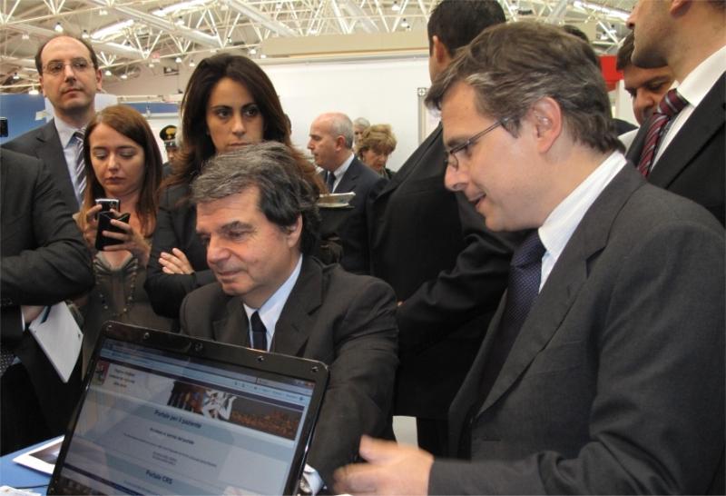 Il Ministro Renato Brunetta in visita allo stand della Regione