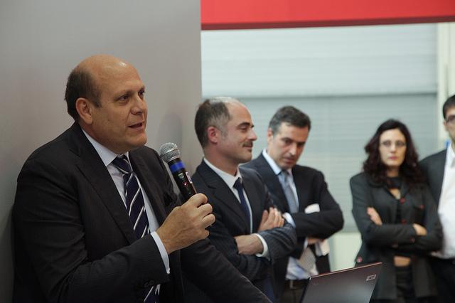 L'assessore per la salute Massimo Russo durante il seminario Obiettivo: oltre il piano di rientro. L'investimento per garantire la raccolta sistematica dei dati necessari al governo della sanità